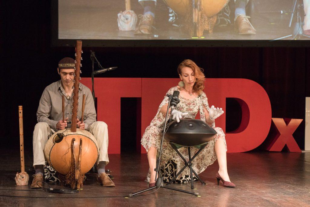 muzica instrumentala - Free2Flow in cadrul TEDx Eroilor